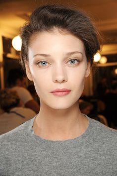 Giorgio Armani Privé - Haute Couture Fall Winter 2013-14 - Shows - Vogue.it