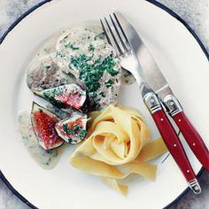 Polędwiczki z figami w kremowym sosie z rozmarynem