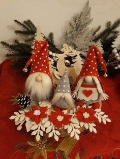 1 million+ Stunning Free Images to Use Anywhere Christmas Gnome, Scandinavian Christmas, Christmas Signs, Christmas Decorations, Felt Crafts, Diy And Crafts, Felt Ornaments, Christmas Ornaments, Holiday Crafts
