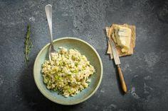 Probiere Zucchetti-Risotto mit Gorgonzola jetzt bei FOOBY. Oder entdecke weitere feine Rezepte aus unserer Kategorie Familienküche. Valeur Nutritive, Grains, Rice, Ethnic Recipes, Food Ideas, Mad, Shredded Zucchini, Blue Cheese, Kochen