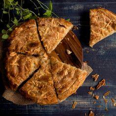 Νηστίστιμη πατατόπιτα με μυρωδικά -Η πανεύκολη συνταγή που πρέπει να δοκιμάσεις σήμερα   BOVARY Breakfast Snacks, Bread, Vegan, Food, Brot, Essen, Baking, Meals, Breads
