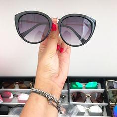 8c9c9a3104558 L.B.A SHOP. Oculos Classico Oval Preto