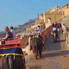 Oferta de viaje a India  Colores del Rajasthán  15 días - 14 noches  Circuito de 15 días por la India visitando Delhi, Mandawa, Bikaner, Jaisalmer, Jodhpur, Ranakpur, Udaipur, Chittorgarh, Jaipur, Abhaneri, Fhatehpur Sikri, Agra y Bateshwar. http://www.belydanaviajes.es/oferta/viaje/india/32183/colores_del_rajasthan
