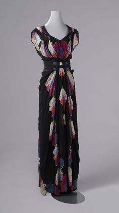 Silk crepe georgette evening dress by Nina Ricci, ca. 1938.