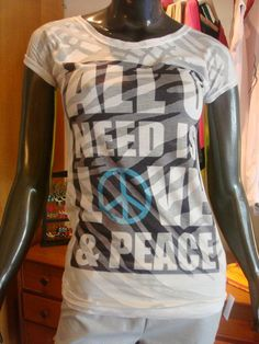 REMERA ALL YOU NEED DEVORE - EDICION LIMITADA