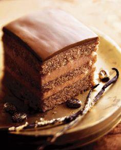 Gelaagde koffiecake - Recepten - Culinair - KnackWeekend.be Cake & Co, Pie Cake, No Bake Cake, French Desserts, No Bake Desserts, Just Desserts, How To Make Cookies, How To Make Cake, Easy Pound Cake