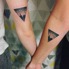 These constellation matching best friend tattoos are SO dreamy.