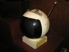 My niece and I went mini-adventuring at the Kalamunda History Village today in the Perth Hills. http://www.kalamunda.wa.gov.au/Leisure-Tourism/Arts-Culture/ZZCC How's this for a television. It's a 1960s black and white set, transmitting ABC only. Looks very like a helmet, or the latest film version of Marvin the Paranoid Android.