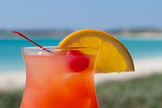 Our Favorite Beach Bars: Smokey's at the Cove  © Wendy G. Gunderson  All rights reserved