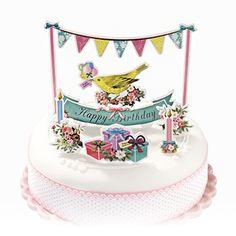 ケーキバンティングとケーキトッパーを使って、シンプルなケーキをゴージャスに変身させましょう