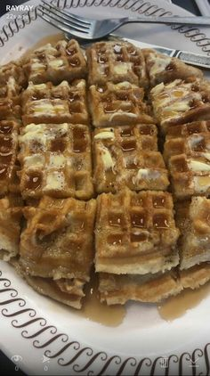 Serve me waffles for breakfast, and I'm putty in your hands the rest of the day 😍 Snack Recipes, Dessert Recipes, Breakfast Recipes, Snacks, I Love Food, Good Food, Yummy Food, Food Porn, Food Goals