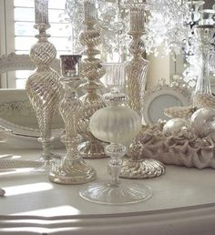 exquisite totally white vintage christmas ideas 52 Christmas White Vintage Decoration Ideas