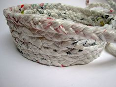 Make a basket out of plastic bags : Building up!
