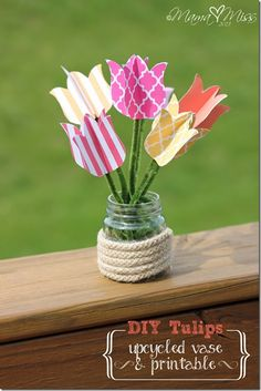 These are so pretty and cute! DIY Tulips Upcycled Vase and Printable @mamamissblog