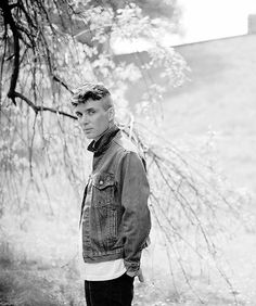 """thedapperproject: """" evabrighis: """"Cillian Murphy, photographed by Richard Gilligan 2014 """" Just finished up the first season of Peaky Blinders and it's the best thing I've seen this year by far, so. Peaky Blinders Thomas, Cillian Murphy Peaky Blinders, Pretty Men, Beautiful Men, Beautiful People, Hot Actors, Actors & Actresses, Prince Charmant, Jolie Photo"""