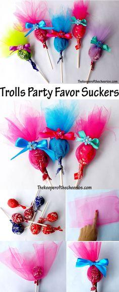 Trolls Party Favor Suckers: fun idea for kids party Trolls Birthday Party, Troll Party, 6th Birthday Parties, Third Birthday, Birthday Fun, Birthday Ideas, Rainbow Birthday, Party Favors For Kids Birthday, Princess Poppy Birthday Party
