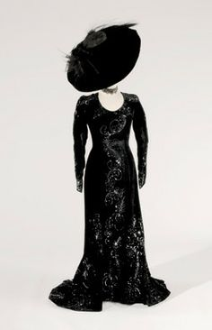 Dress worn by Mae West as Peaches O'Day in Every Day's a Holiday (Paramount Pictures, 1938).  Designer: Elsa Schiaparelli. From the collection of Gene London.