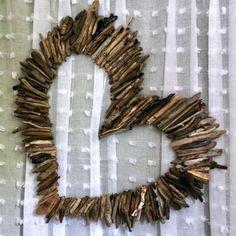 50 neobyčajných nápadov z obyčajných konárov - sikovnik.sk Twig Crafts, Rustic Crafts, Craft Stick Crafts, Crafts To Make, Wood Crafts, Arts And Crafts, Nature Decor, Nature Crafts, Nature Nature