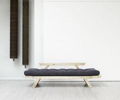 Sofa, Recamiere und Bett in Einem. Unser Futonsofa Akashi V3  #scandi #sofabed #japan Scandi Chic, Outdoor Furniture, Outdoor Decor, Sun Lounger, Couch, Japan, Home Decor, Chair, Minimalist Design