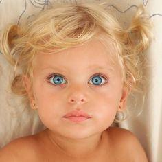 Most beautiful faces, cool eyes, precious children, beautiful children, bea Most Beautiful Child, Beautiful Little Girls, Beautiful Children, Beautiful Babies, Gorgeous Eyes, Pretty Eyes, Cool Eyes, Cute Kids, Cute Babies