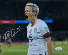 Messi Argentina, Megan Rapinoe, Team Usa, Lionel Messi, Signs, Things To Sell, Sports, Mens Tops, Soccer