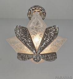 French 1930 art deco chandelier. paravas-ebay Lampe Art Deco, Art Deco Decor, Art Deco Chandelier, Art Deco Lighting, Art Deco Design, Decoration, Antique Lamps, Antique Lighting, Vintage Lamps