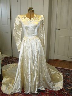 1940s Beaded Bow Wedding Gown by EmilysVintageVisions on Etsy, $165.00