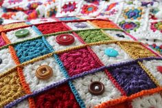 Boys and Bunting: Granny Square Button Cushion - Crochet