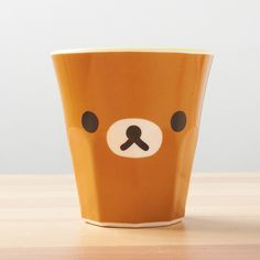 Life is stressful, what with work, school, and the myriad of other daily responsibilities we all have. That's why feel-good characters like Rilakkuma can be just the thing to perk you up and brighten your day, no matter how bad or gloomy it may be! This cute cup features Rilakkuma's face and is the perfect size to include in a charaben or other packed lunch. Take some extra time to unwind and rela...