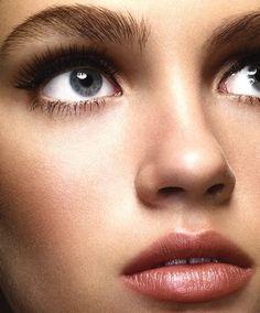 Natural beauty makeup.