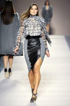 fd0c30dd733 She s working it!!! - Love this dress