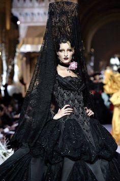 Spanish Senorita Goth                                                                                                                                                                                 Más