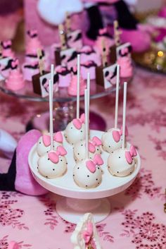 Luciana 's Birthday / Pink Minnie Mouse - Photo Gallery at Catch My Party Birthday Cake Pops, 2nd Birthday, Birthday Parties, Birthday Ideas, Hello Kitty Baby Shower, Hello Kitty Birthday, Minnie Mouse Theme, Pink Minnie, Hello Kitty Cupcakes