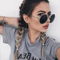 Got braids on the brain after looking at Coachella hair pics? We've found 23 of the best boxer braid looks to put your mane on par with the celebs. Boxer Braids Hairstyles, Summer Hairstyles, Pretty Hairstyles, Braided Hairstyles, Hairstyles 2018, Concert Hairstyles, Selfies Poses, Innenohr Piercing, Der Boxer
