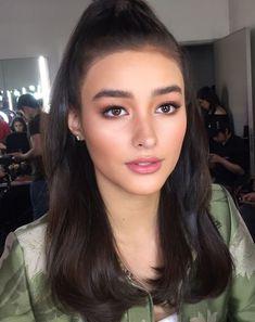 She's so pretty 😍😍😍😍😍😍😍😍😍😍😍 I just found out her name is Liza soberano Make Up Looks, Liza Soberano Makeup, Bridal Makeup, Wedding Makeup, Lisa Soberano, Beauty Makeup, Hair Beauty, Short Wedding Hair, Most Beautiful Faces