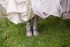 ...passione per gli stivali... Www.tosettisposa.it Www.alessandrotosetti.com #wedding #weddingdress #tosetti #tosettisposa #nozze #bride #alessandrotosetti