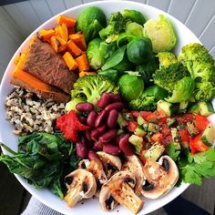 """jiliciousjourney: """" Big dinner plate after a long day at uni: sweet potato, butternut squash, Brussels sprouts, broccoli, tomato cucumber salsa, baked mushrooms, steamed spinach, kidney beans, tomato..."""