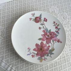 Vintage Melamine PInk and Purple Wildflowers Melmac Dinner Plates by vintagepoetic on Etsy