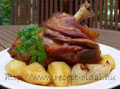 MIT FŐZZEK HOLNAP ? - HÚSOS ÉTELEK - CSÜLÖK PÉKNÉ MÓDRA Hungarian Cuisine, Hungarian Recipes, Pork Hock, Cooking Tips, Cooking Recipes, Main Meals, Meat Recipes, The Best, Main Dishes