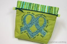 Sew A Make-up Bag That Makes A Difference Nancy Zieman Sewing Hacks, Sewing Tutorials, Sewing Crafts, Top Cinco, Quilting Projects, Sewing Projects, Quilting Patterns, Nancy Zieman, Sewing With Nancy