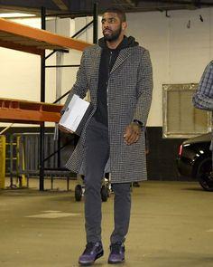 Every Sneaker Worn By Kyrie Irving This Season Nba Fashion, Streetwear Fashion, Sneakers Fashion, Mens Fashion, Fashion Fall, Shoes Sneakers, Mba Basketball, Basketball Skills, Nba Quotes