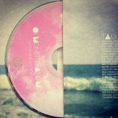 CD and album look absolutely amazing! Love the idea of the sea on the album cover!