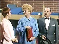 Friday Funny: I Love Lucy as a Stewardess, Part II - http://theforwardcabin.com/2014/11/14/friday-funny-love-lucy-stewardess-part-ii/