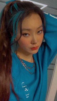 Dye My Hair, Hair A, Ponytail Hairstyles, Pretty Hairstyles, Hair Inspo, Hair Inspiration, Korean Hair Color, Wigs With Bangs, Hair Repair