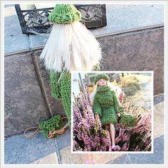 Lang genser, lue og veske til Barbiedukke Barn, Design, Converted Barn, Barns, Shed, Sheds