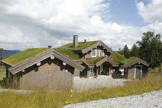 Et lite utvalg av våre 500 bygde hytter Scandinavian Home, Home Goods, House Styles, Inspiration, Home Decor, Houses, Drill Bit, Mountain, House Siding