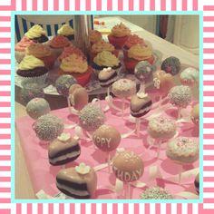 Birthday Arrangement  by #sandybel #geburtstag #cupcakes #cakepops