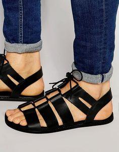 finest selection c7a96 c397a ASOS   Sandalias de gladiador de cuero negro con cordones anudados de ASOS  en ASOS Zapatos