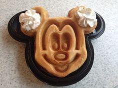 Disneyland, Mickey Mouse waffle, Hong Kong