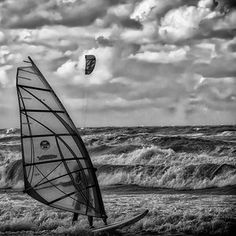 #lifestyle #lifestyleblog #lifestyleblogger #lifestylephotographer #lifestylemagazine #kitesurfing #kitesurf #kitesurfers #kitesurfer #kitebeach #travelphotographer #travelphotography #travelblogger #travelblog #beach #beachlife #beachliving #beachlife #bnw_drama #bnwmood #bnw_rose #bnw_europe #bnw_globe #bnw_one #streetphoto_bw #streetphotography #bw_photography #bw_photooftheday